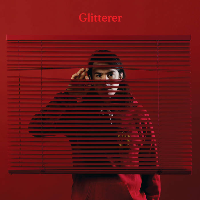 Glitterer – Looking Through The Shades